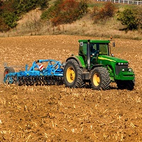 tractor using agriculture battery for power